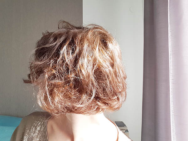 Vous devriez colorer vos cheveux avec une coloration v g tale for Comment enlever du silicone sec