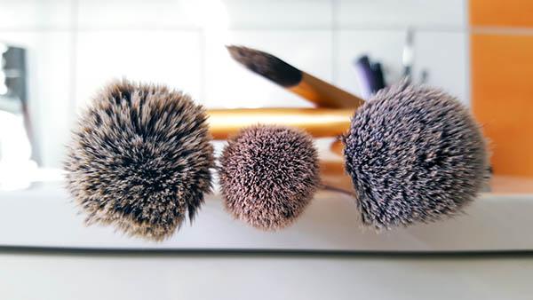 Comment nettoyer naturellement ses pinceaux de maquillage?